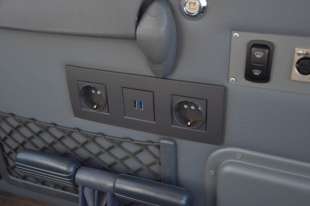Prese elettriche e USB sul pullman
